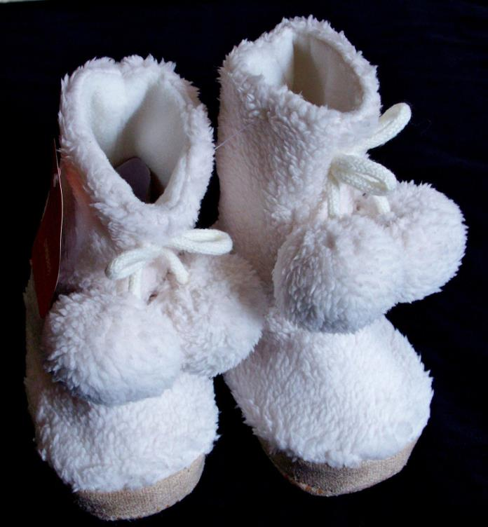 Gymboree Pom Fleece Booties Snow White Toddler Slippers Sz 7-8 Textured Bottom