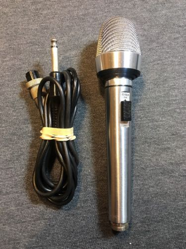Realistic SUPER CARDIOID Dynamic Microphone Mic 33-992A (used) Free Ship