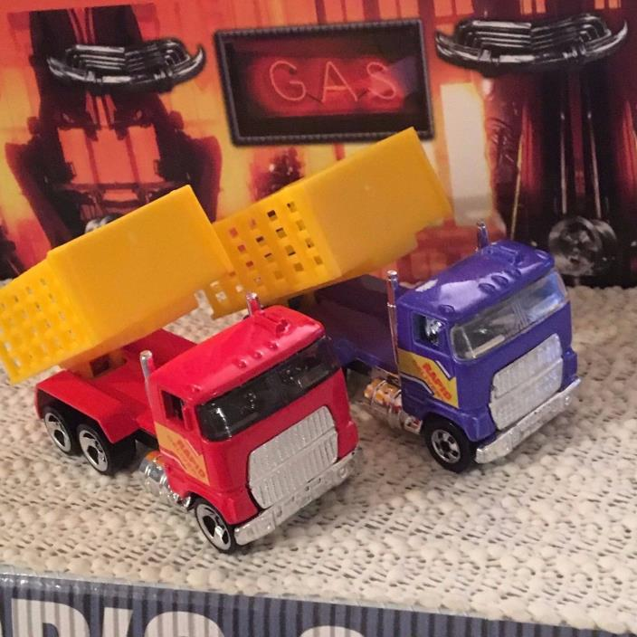 Hot Wheels Ford Stake Bed Truck Lot Rapid Delivery Blue BW & Red 3SP Nr/Mt & MT