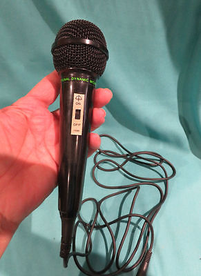 VINTAGE UNIDRECTIONAL TAIWAN DYNAMIC MICROPHONE IN ORIGINAL BOX EXC WORKING