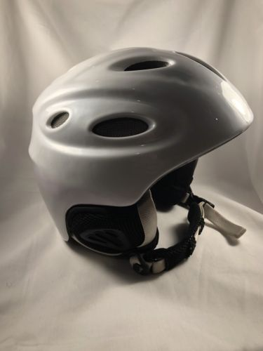 Smith Optics Platform Pearl White Ski/Snowboard Helmet Medium 56-58cm