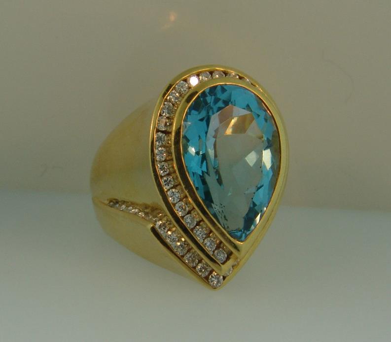 Charles Krypell 18K Gold Diamond Blue Topaz Ring