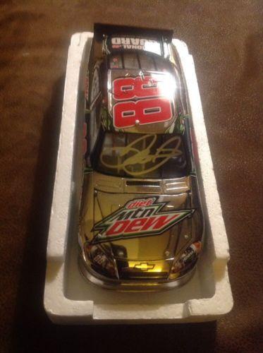 2012 Dale Earnhardt Jr - Diet Dew Signed #88 1/24 Diecast Car