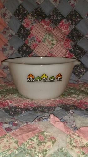Vintage Fire king Summerfield mixing bowl with handles holds 1-1/2 qt