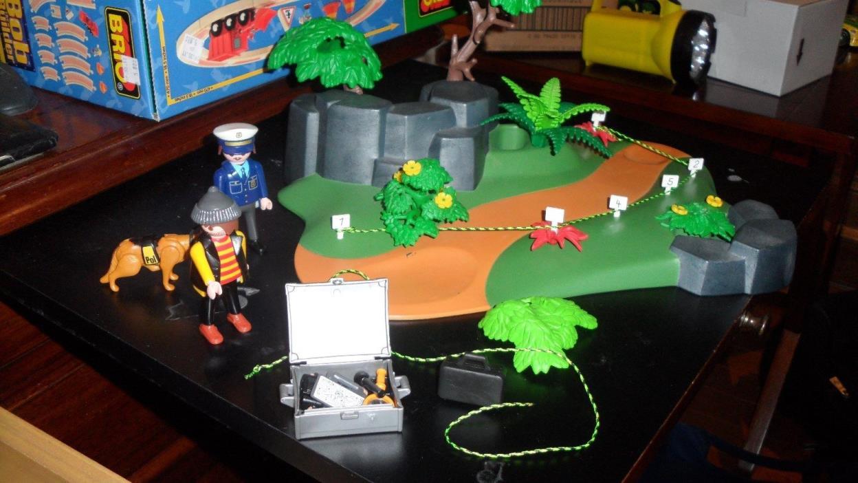 Playmobil 3136 Crime Scene Set Complete no box