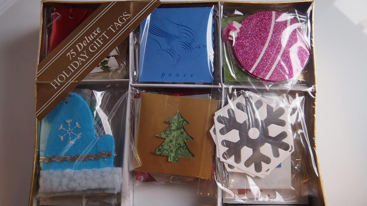 Deluxe Gift Tags Christmas New Silver Red Green Glitter 75 Holiday Wrap Gifting