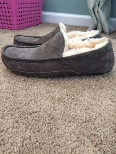 Ugg Ascot Slippers Mens Gray Suede Size 9 EUC