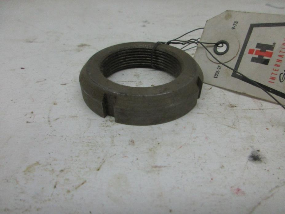 NOS FORD NEW HOLLAND BEARING NUT 30976