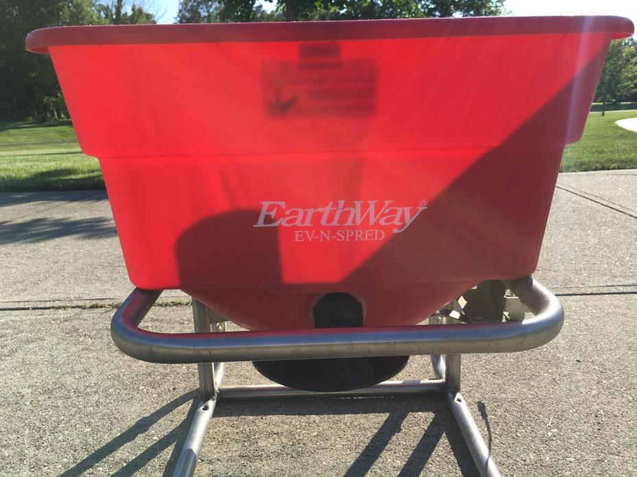 Earthway M40 Mountable 12-Volt Professional Broadcast Spreader