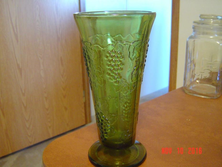 Vintage Dark Green Grape Vine Design Vase