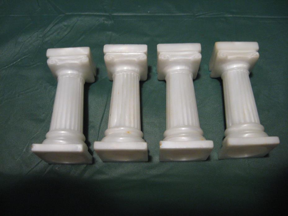 Vintage Wilton Ivory White Plastic 3