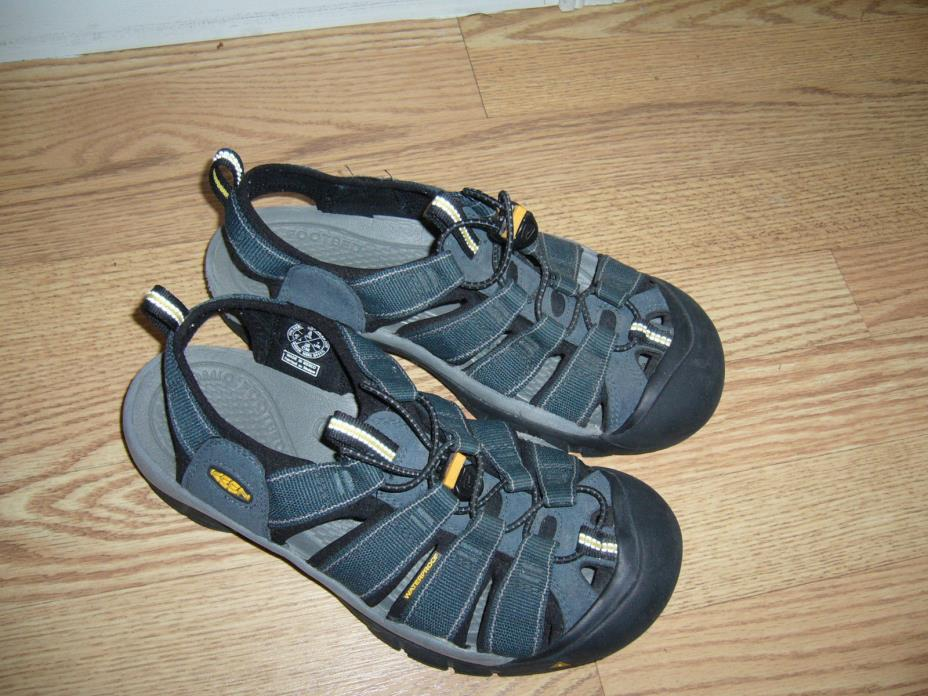 EUC KEEN Newport H2 Sandals Trail Hiking Waterproof Shoes Navy Blue Men's Size 8