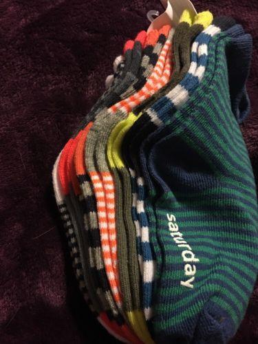 New OshKosh 7 Days of the Week Socks 7 Pairs Shoe Size 7 - 10.5 Toddler 2-4 NWT