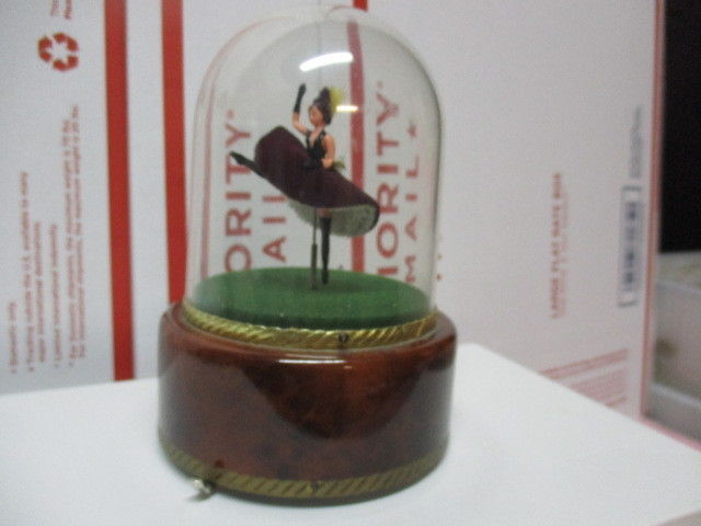 1960'S REUGE FRENCH CANCAN DANCER AUTOMATED MUSIC BOX SWISS MOVEMENT RARE