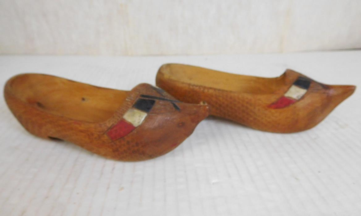 ANTIQUE WOODEN HAND CARVED DUTCH CLOG SHOES HOLLAND RARE PAIR