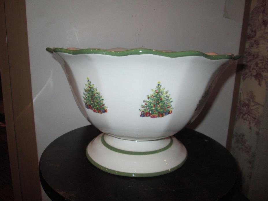 Christopher Radko Christmas Dishes LARGE BOWL WITH CHRISTMAS TREES Brand New