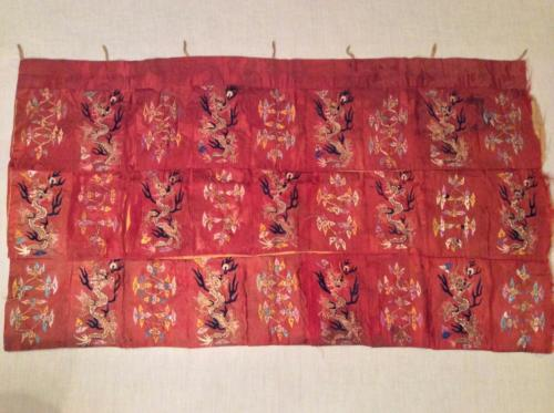 ANTIQUE 19th QI'ING CHINESE EMBROIDERED SILK PANEL 5- CLAW DRAGONS EMBROIDERY!