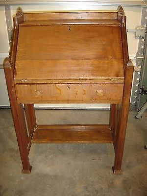 Antique Quarter-Sawn Oak Arts & Crafts Drop-Front Desk 8377