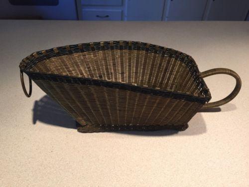 Vintage Wine Basket Cradle Pourer