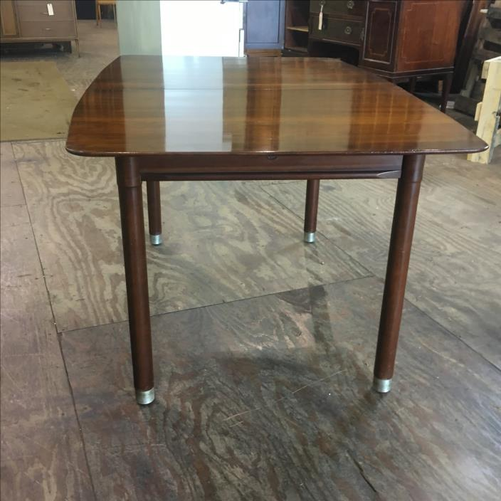 Vintage Mid Century Modern Willett Cherry Dining Room Table Trans East