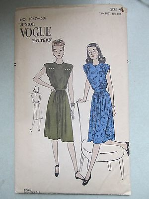 VINTAGE 1940s VOGUE junior PATTERN 3067 CAP SLEEVE DRESS NOVELTY PRINT sx 9 B30