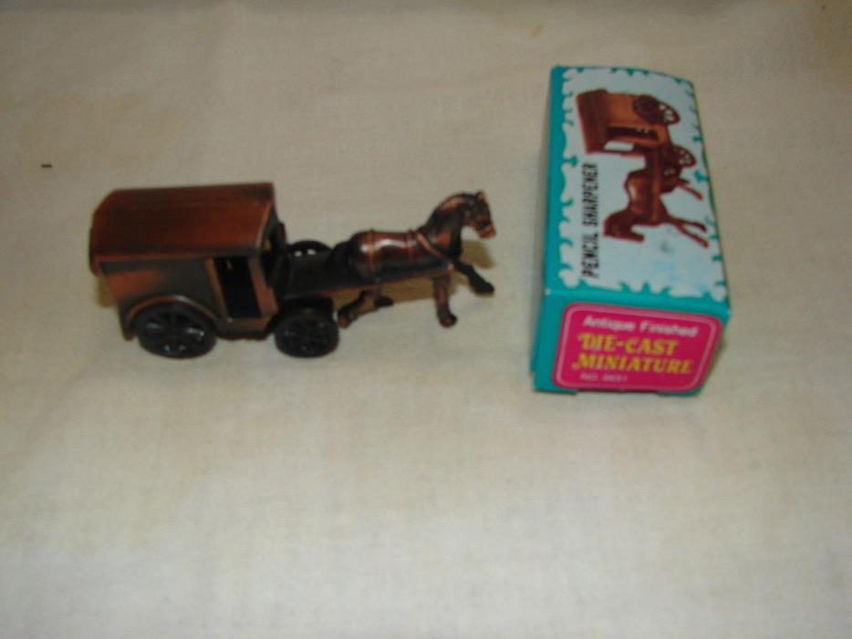 Amish Horse Buggy Pencil Sharpener Covered Wagon Moving Wheels Vintage Diecast