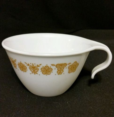 BUTTERFLY GOLD CORELLE HOOK HANDLED CUP