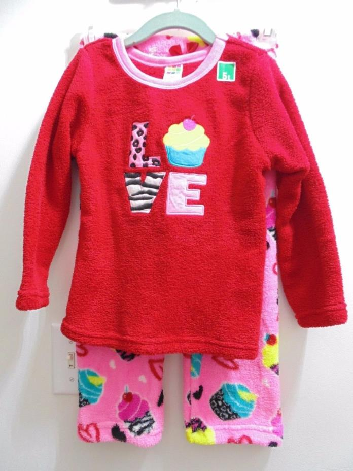 Healthtex Girls size 5 Fleece Pajama Set Hearts/cupcakes long sleeves and pants