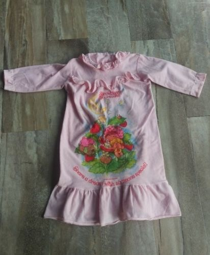 Strawberry Shortcake PJs Night Gown Girls Size 24M 2T Sleep Pajamas Vintage
