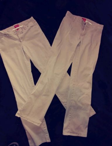 Dickies Pants Womens/Juniors Lot of 2 Size 7 Khacki Color.  Great Condition