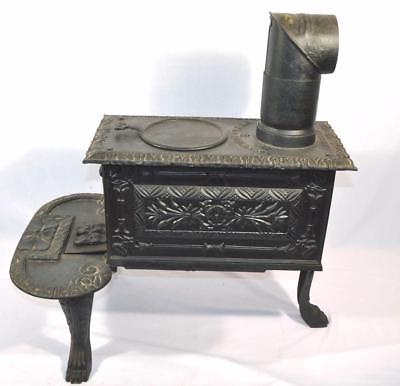 ANTIQUE 1880 S.H.RANSOM #2 WOOD BURNING CAST IRON BOX STOVE/CLAW FEET/CHIMNEY
