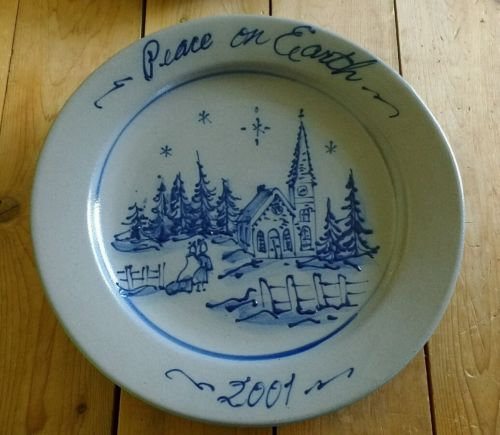 ROWE Pottery Salt Glazed 2001 Annual Christmas Holiday Plate Cambridge Wisconsin