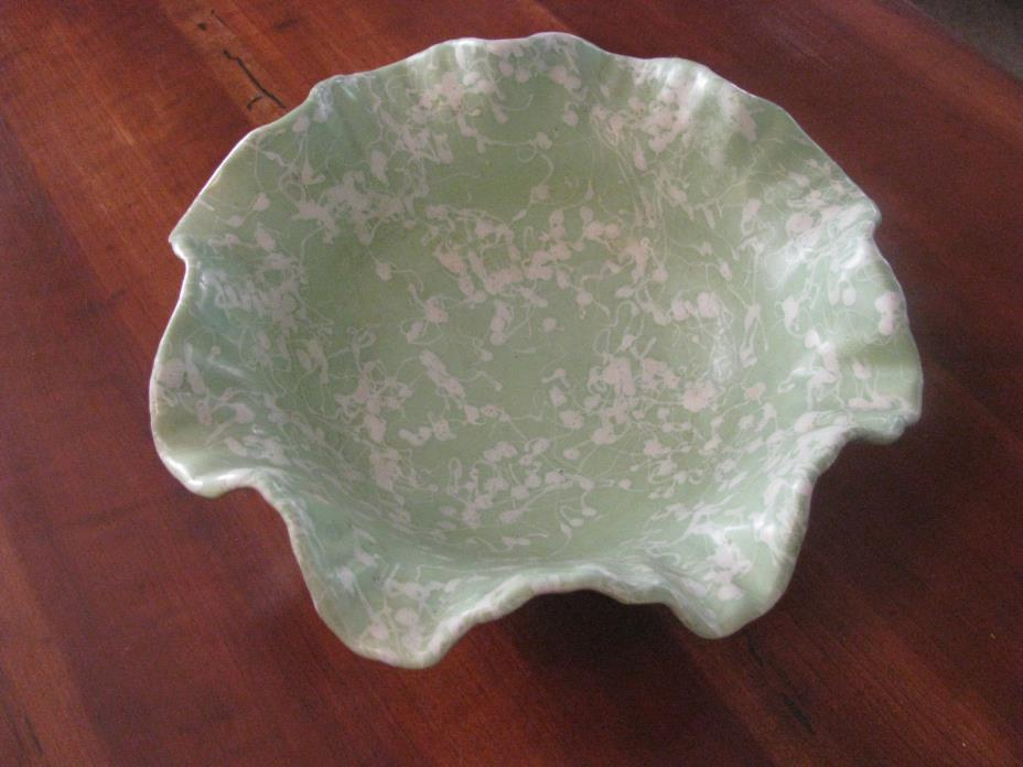 Vintage Shawnee Pottery #2503 Fluted Edge Bowl U.S.A.