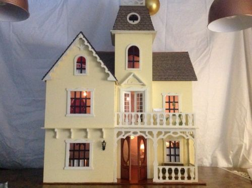 The Rumford Dollhouse - 1 Inch Scale