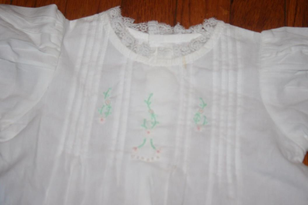 Remember Nyugen girls 9 month beautiful white gown NWT