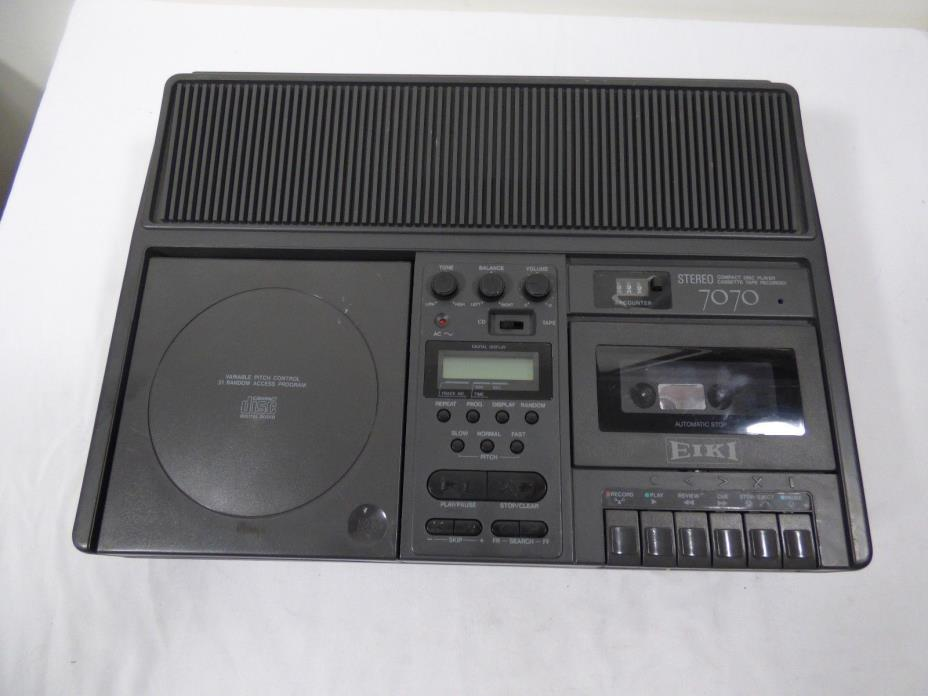 Eiki Stereo Compact Disc Player Cassette Tape Recorder 7070a works well