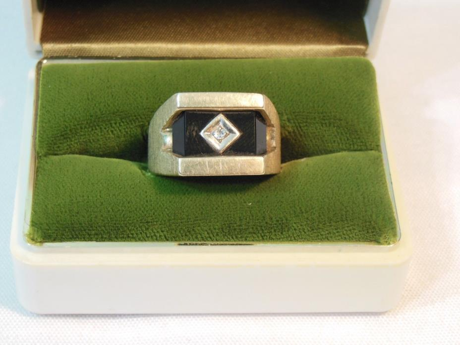 Vintage Art Deco Men's 10K Gold Onyx Ring with Diamond 9.5 Grams Size 10.5 NICE!