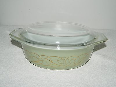 Vintage Pyrex 1 1/2 QT Green With Gold Scroll Casserole Dish #043 and Lid