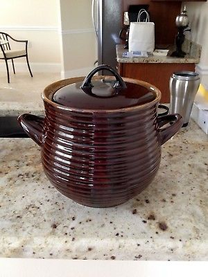 POTTERY BEAN POT WITH LID CASSEROLE DISH COOKIE JAR COVERED HANDLES Brown
