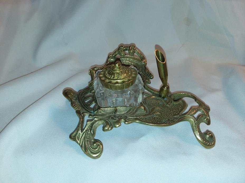 Cast solid brass vintage design ink well and pen holder  #  3296