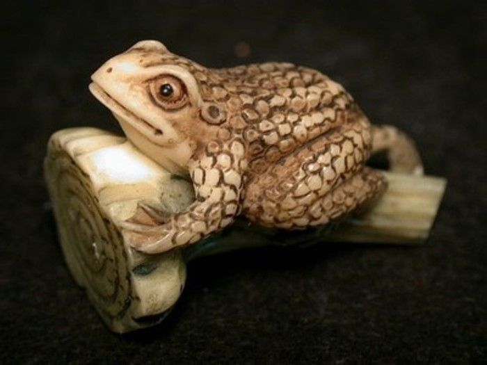 Vintage Japanese netsuke -Baby Frog climb lotus stem