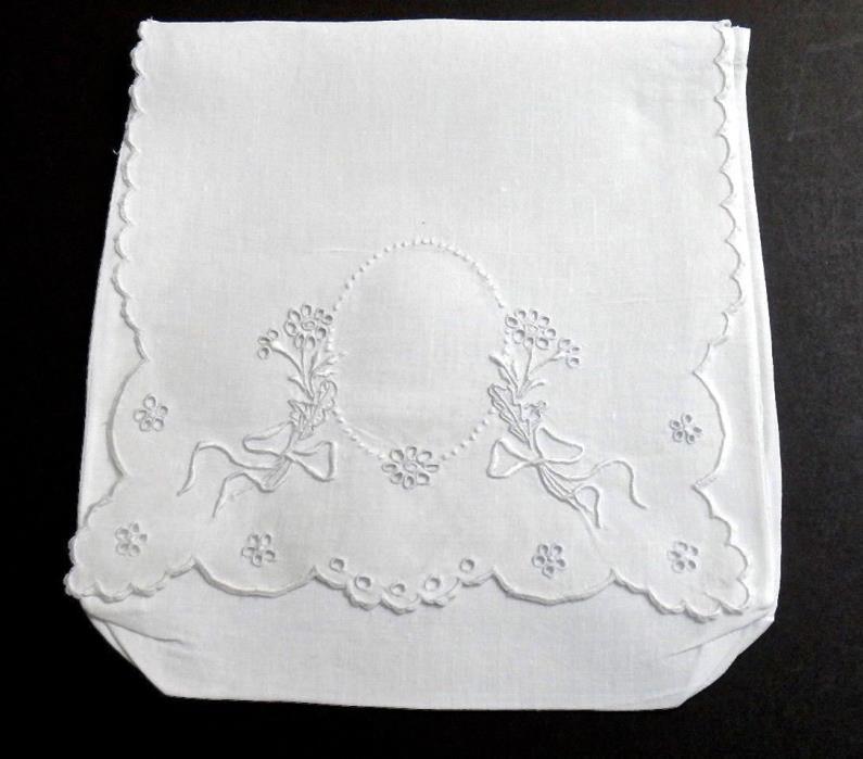 Vintage Madeira Embroidery Linen Hanky Case Napkin Case - Pristine Clean Beauty!