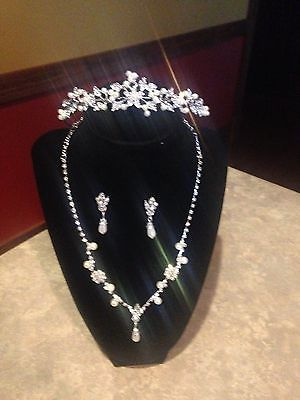 Wedding bridal rhinestone and pearl tiara and jewelry set  NEW!