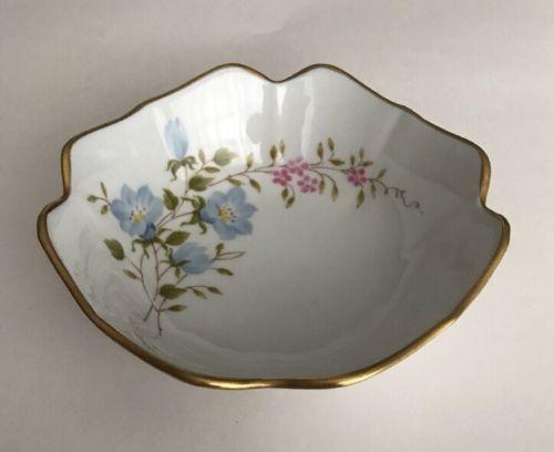 COLLECTION PARIS PORCELAIN ENTIEREMENT  Flower Bowl Gold Trim Made IN FRANCE