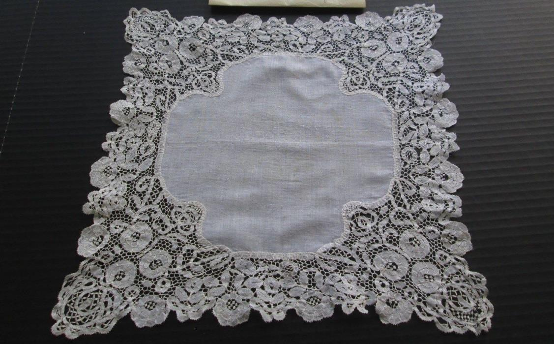 ANTIQUE HANDMADE 19th C. ENGLISH HONITON BOBBIN LACE HANKIE/HANDKERCHIEF