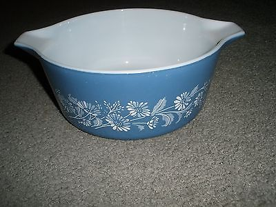 VINTAGE PYREX 2.5  liter Colonial Mist Blue Daisy Casserole Dish  475-B