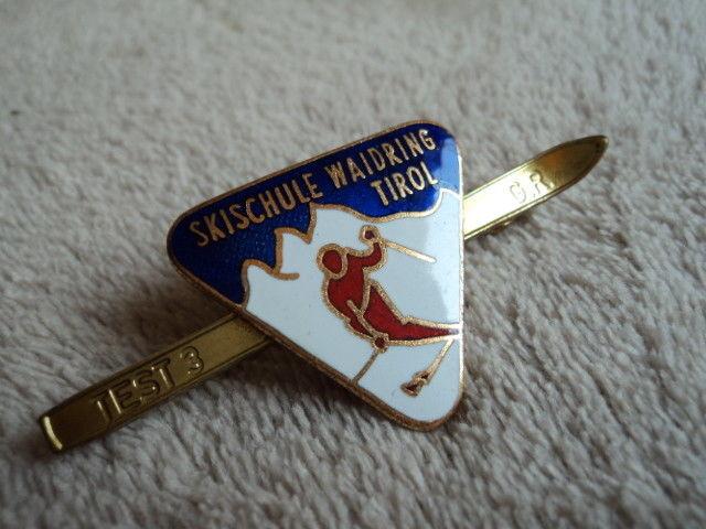 Vintage  SkiSchule Waidring Tirol Enamel Ski Pin