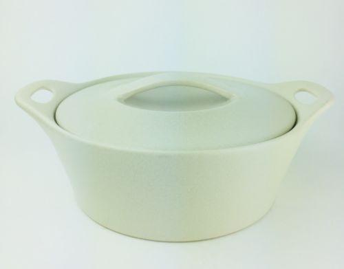 Corning Ware Creations Round Stoneware Beige 1.5 Qt Casserole Baking Dish & Lid
