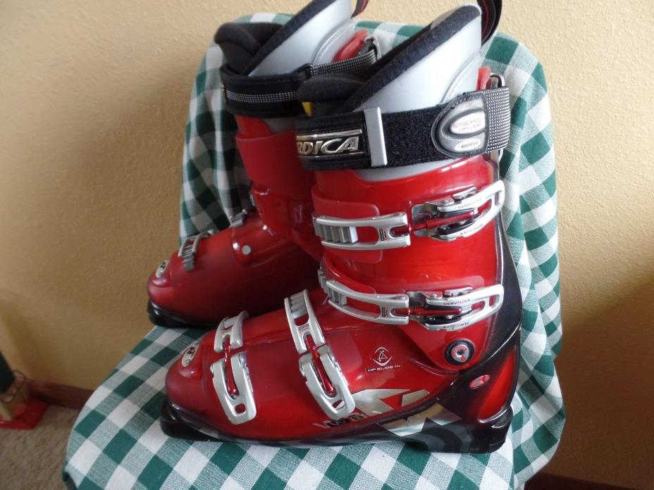 Nordica red W8 down-hill ski boots 325mm Size mondo 28.5 US Mens 10.5