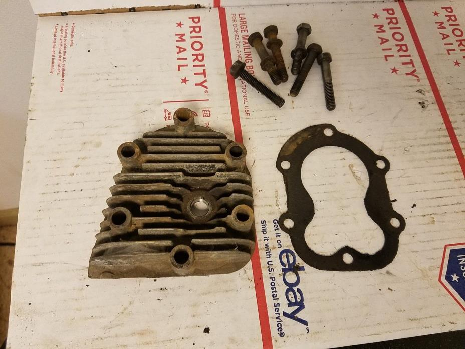 Antique Vintage Briggs & Stratton Cylinder Head Assembly. Aluminum. Model 6, 8.